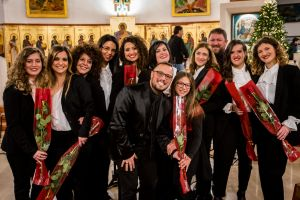 Il Maestro Galizia con il coro